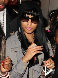 """Parrucche Nicki Minaj Alta qualità 22"""" Macchina Liscia"""